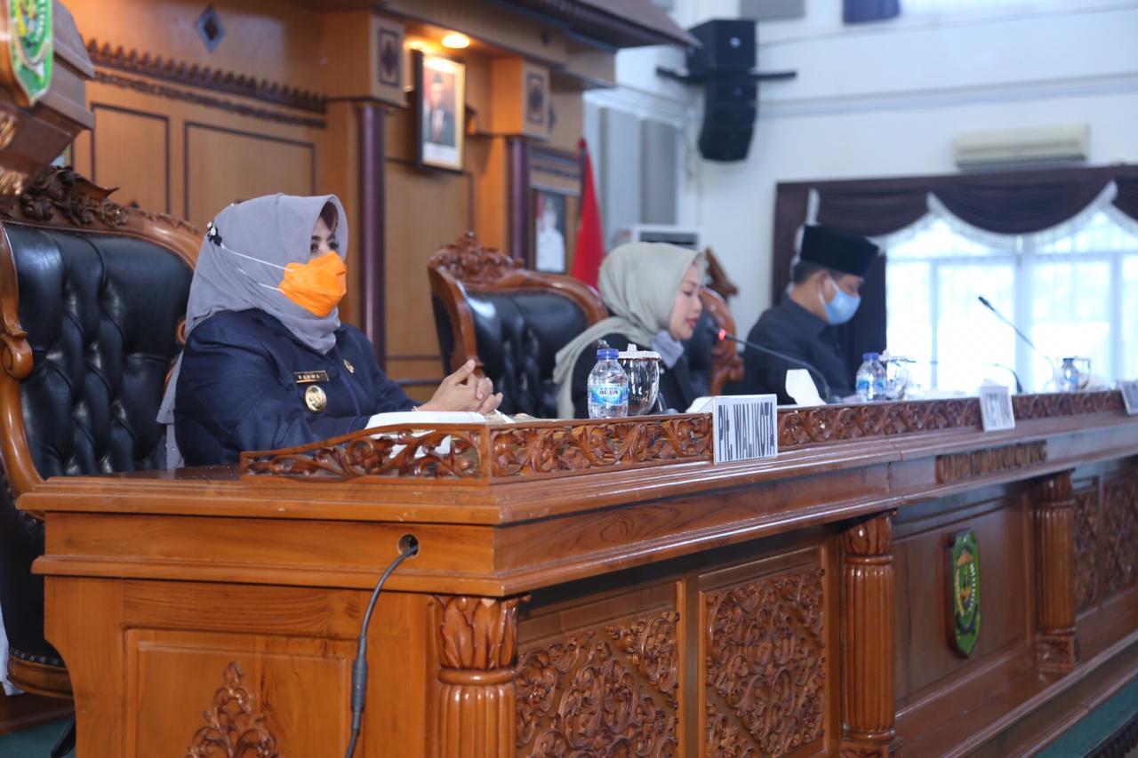 Plt Walikota Tanjungpinang Sampaikan Ranperda Tentang Pertanggungjawaban Pelaksanaan APBD 2019