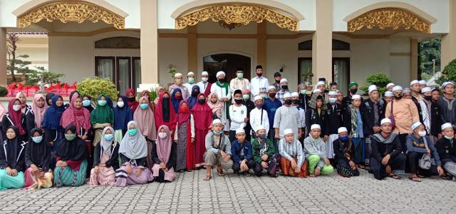 Bupati Karimun Lepas 120 Putra-Putri Karimun Ke Pondok Pesantren Mustafawiyah Purba Baru Mandailing Natal