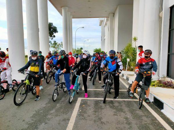 Danlantamal IV Ikuti Sepeda Sehat Bersama Menpora RI